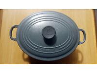 Le Creuset bargain! 6 person 28cm casserole dish - cost £249, selling for £30!