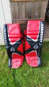 """35"""" pads and matching gloves"""