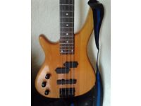 left handed stagg bass guitar in very good condition