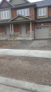 New Townhome for rent  Immedialtly in Hennon Hamilton
