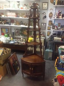 Antique style/French provincial style, corner display unit