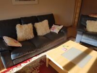 Rosehill 2 double bedroomed fully furnished flat close to ARI parking at door