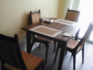 SOLID PINE KITCHEN TABLE with 4 TEAK CHAIRS