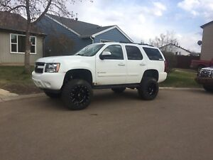 LIFTED 2009 TAHOE LT 4x4
