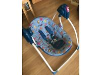 Baby's self swinging musical chair