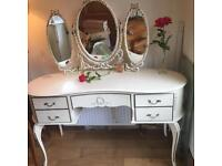 A LOVELY FRENCH LOUIE STYLE DRESSING TABLE WITH TRIPLE MIRRORS AND STOOL