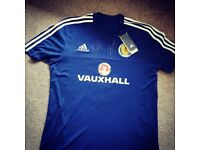 Scotland Training Top Signed By Steven Fletcher & Barry Bannan Size Large