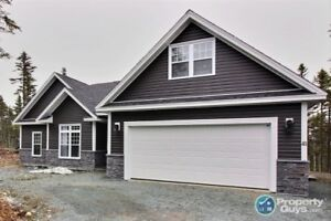 Custom Build on large private lot, 4 bed/2 bath