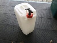 Water container, ideal for camping used only once