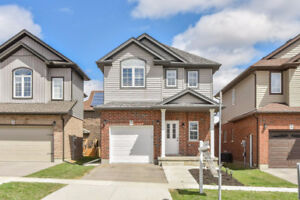 Luxury 3 Bed Room Detached House for Rent in Kitchener