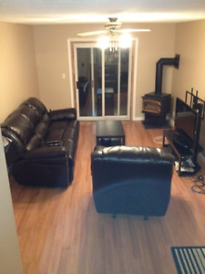 **Room close to college ** Available Sept 1 ($415)