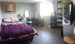 Home Sweet Home- TWO Available Rooms!
