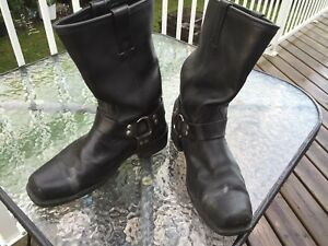 Motor cycle riding boots