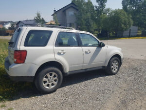 2011 Mazda Tribute GX SUV, Crossover *LOW KM - PRICE TO SELL*