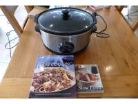 Large Slow cooker with 2 cook books TREAD the Globe