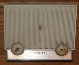 Radio vintage ZÉNITH des années 1960