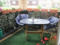 Balcony table and 4 folding canvas chairs