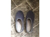 NEW men's sleeper - size 9 -very comfortable