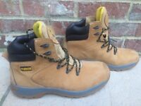 Apache Men's work boots: size 10