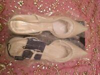 New Designer 'Jasper Conran' Ivory Satin & Beaded Wedding Shoes/Sling Back Kitten Heels. Size:8/Prom