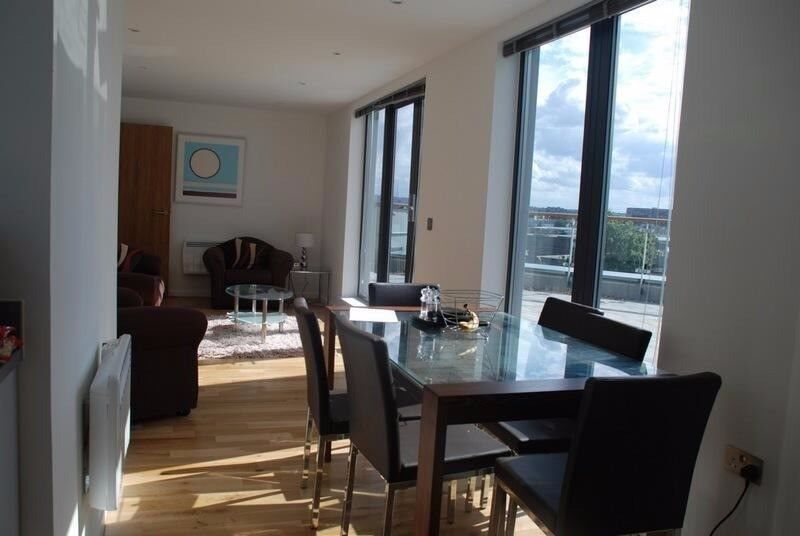 Huge, Sunny room w/ private wraparound terrace