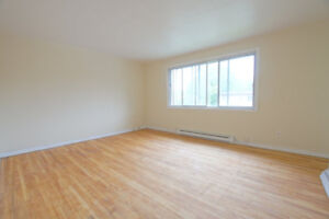 5 1/2 aparment upper duplex in Pierrefonds for rent.