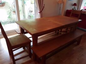 SOLID OAK EXTENDING DINING TABLE, BENCHES AND CHAIRS