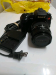 Sony a300 alpha sale camera and 2 lenses