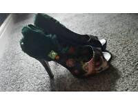 Iron fist size 5 vanity fair platform shoes