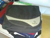 Laptop carry bag