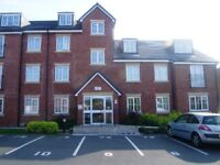 Spacious & modern 2 bed luxury penthouse apartment with parking, in Leigh, Lancashire