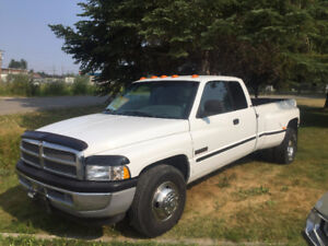1999 Dodge Power Ram 3500 SLT Pickup Truck