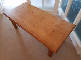 Solid Pine Coffee Table - H46xW122xD60