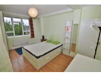 Large DOUBLE ROOM (suits COUPLES) WITH PRIVATE BALCONY IN Battersea/Clapham/Vauxhall