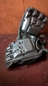 hard top black gloves (airsoft / paintball)