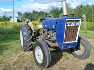Ford 2600 farm tractor  **SOLD PPU**