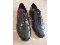 New Clarks Bootleg girls school shoes size 3G