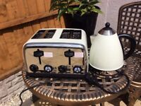 Matching electric toaster and kettle