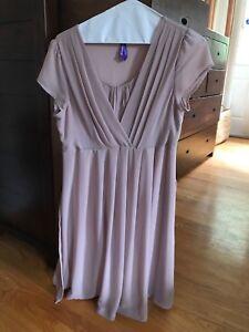 Seraphine maternity/nursing dress size 4 from Yo Mama