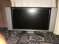 """Evesham 32"""" HD TV, Working Condition with Remote."""