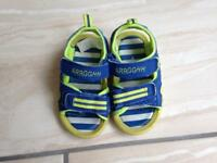 Kids shoes size 5