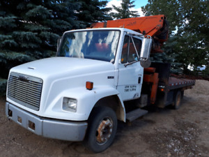 Picker truck with hoice