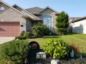 NEW PRICE!! Raised Ranch in Strathroy
