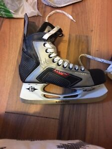 Easton synergy hockey skates!