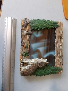 Northern Lights picture + 3d wolf frame