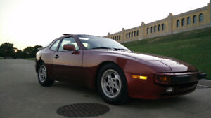 REDUCED - 1986 Porsche 944 - 5spd - 87,000km - Very Clean!