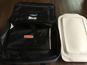 Pyrex Portables Insulated Carrier Hot and Cold Packs 3 qt dish