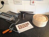 Kitchen items pasta maker etc