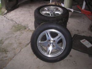 roues Honda  avec pneu 4 saisons