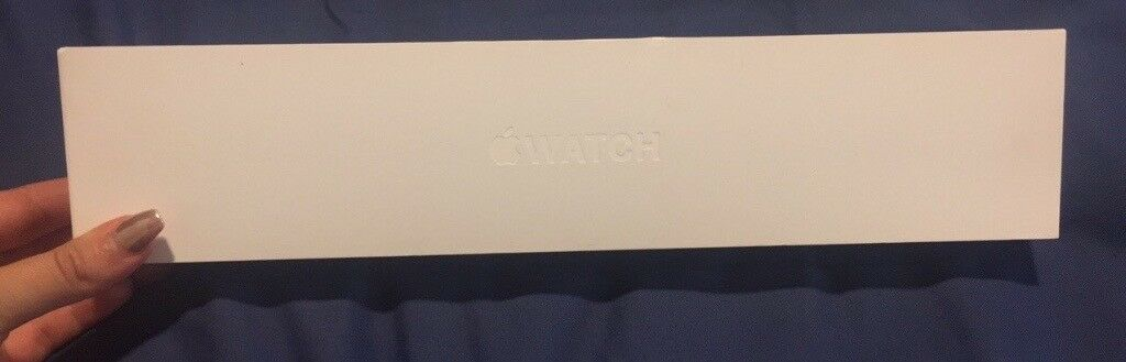 Apple Watch 42mm with Box barely usedin Leeds City Centre, West YorkshireGumtree - Apple watch 42mm barely used and comes with box Gifted for christmas and still have apple warranty on it Great condition cant even tell its ever been used